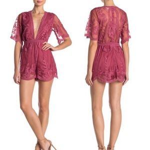 Honey Punch Lace Short sleeve Romper